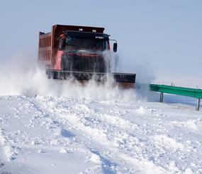 雪地清雪车