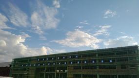 工地天空蓝天白云