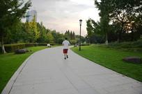 健身主题公园跑道