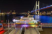 中国上海黄浦江陆家浜路轮渡船