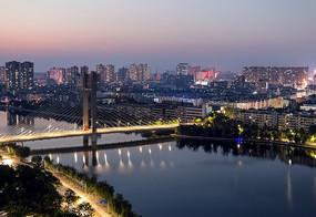 城市美丽的夜景图片