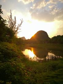 广西桂林甑皮岩国家遗址公园草地