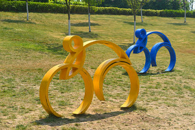 自行车运动雕塑