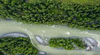 俯瞰禾木河