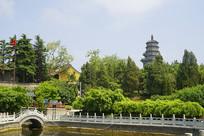 青岛湛山寺 放生池和药师塔