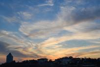 夕阳下的蓝天白云