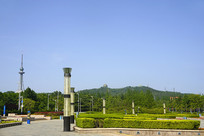 青岛汇泉广场远望太平山