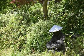 禅意打坐雕像