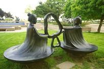 成语故事-孔融让梨雕塑