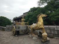 古战场的战车雕塑