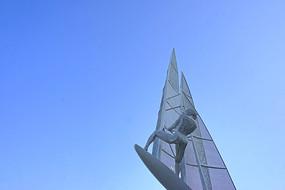 帆船运动雕塑
