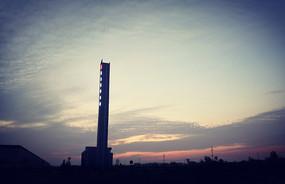 夕阳下的建筑剪影