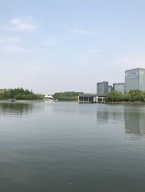 大宁灵石公园南湖