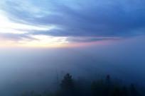 大兴安岭林区云雾朝阳