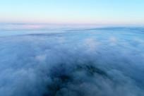 航拍大兴安岭辽阔山峦云端朝阳