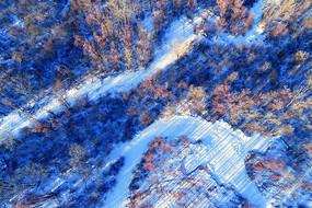 林海雪原冰封河流(航拍)