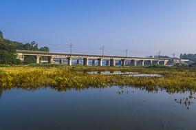 仰拍浉河京汉铁路桥