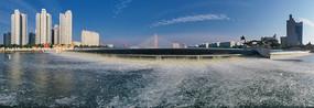 宽幅意境城市水坝瀑布图