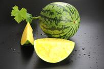 绿叶黄瓤西瓜