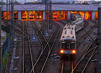 上海轻轨站地铁1号线列车