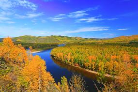 大兴安岭秋季激流河风光