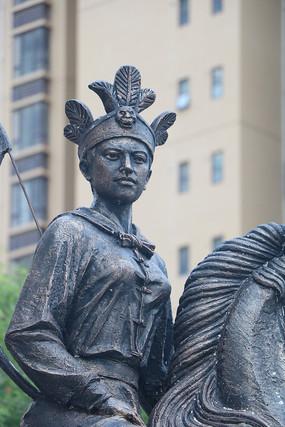 冼夫人雕塑