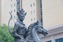 冼夫人铜像