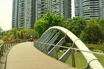 成都江滩公园水景园林人行桥