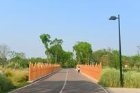 成都中和湿地公园欣长向云桥