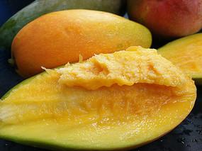 多汁鲜芒果
