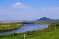 草原蓝河风景
