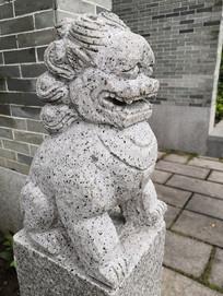 威武的石狮子雕塑