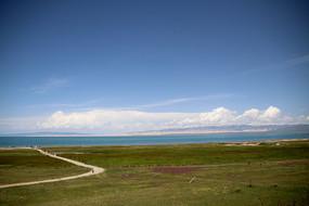 远处青海湖