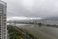 风雨信阳城