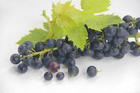 绿叶黑珍珠葡萄