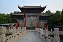 中式古牌坊