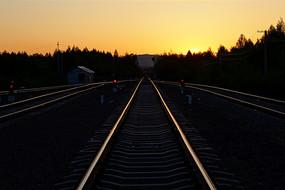 大兴安岭铁路暮色