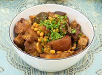 美味菜品黄豆焖猪蹄