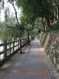 圭峰山玉湖景区过道