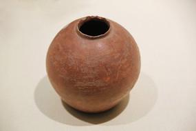 红衣陶罐青铜时代