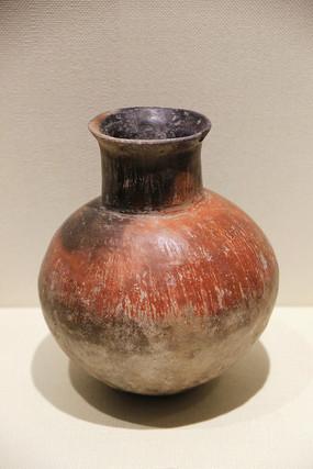 红衣陶壶青铜时代