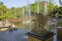 中西合璧风格喷泉雕塑