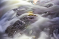 慢门溪流瀑布