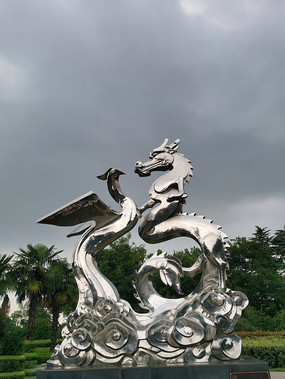 龙凤不锈钢雕塑