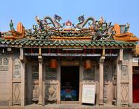 屋顶戏曲瓷雕