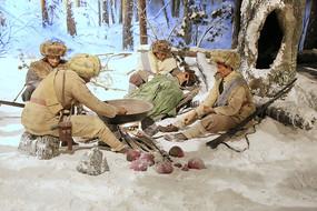 东北抗日联军雪地露营雕塑
