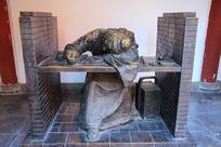 科举考试场景雕像