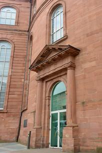 德国法兰克福 红色石墙和欧式门窗