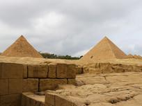 微缩金字塔