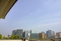 韩国景福宫远眺首尔城市